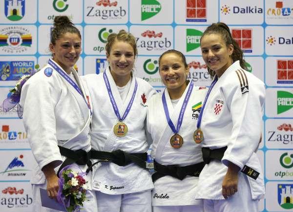 Portela comemorou por subir no ranking com medalha Foto: Divulgação