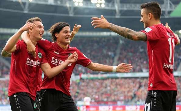 Miiko Albornoz dio un pase gol. Foto: Getty Images