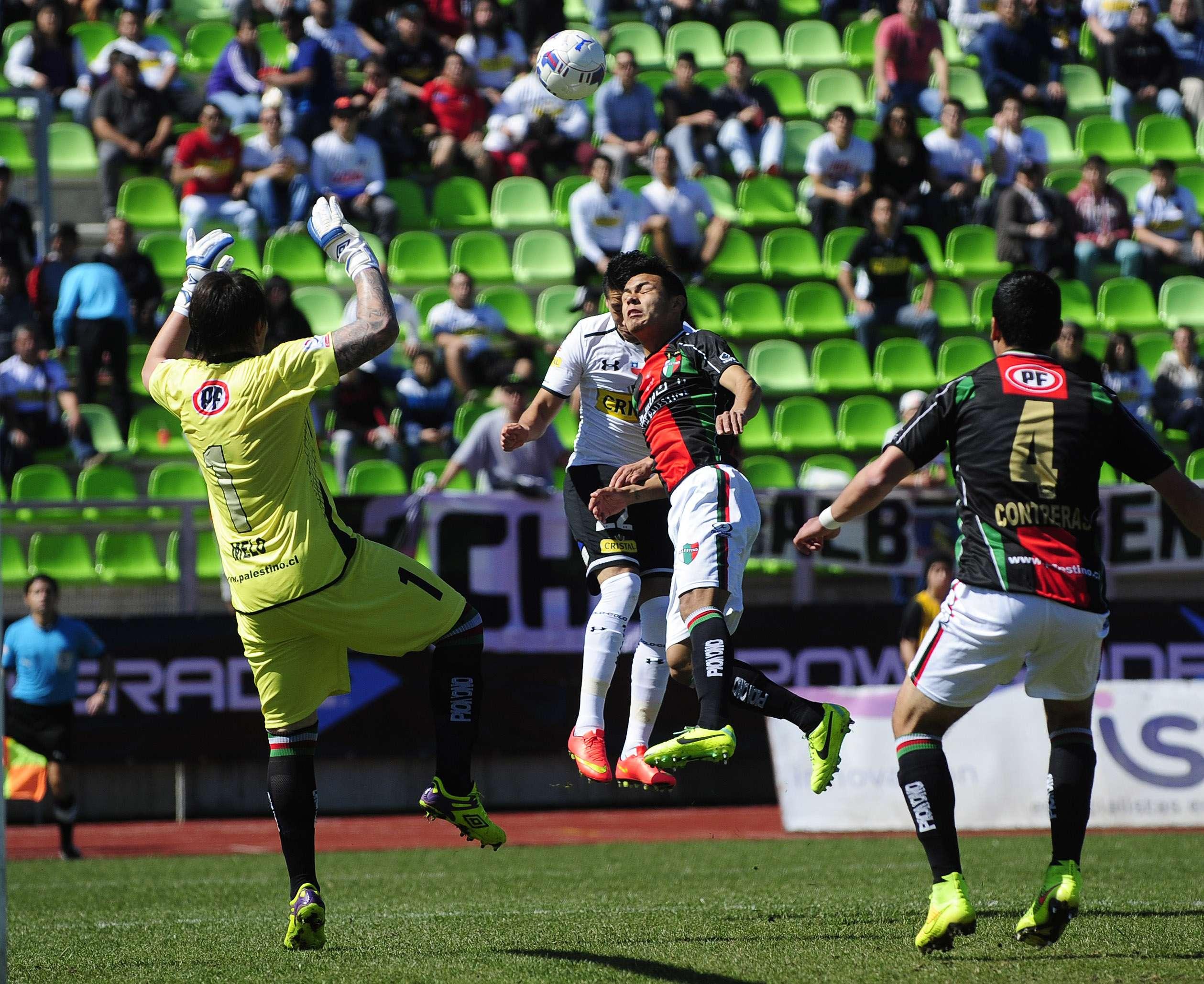 Colo Colo venció por 3-1 a Palestino en Valparaíso y alcanzó momentáneamente a la U en la cima de la tabla de posiciones del Torneo de Apertura.