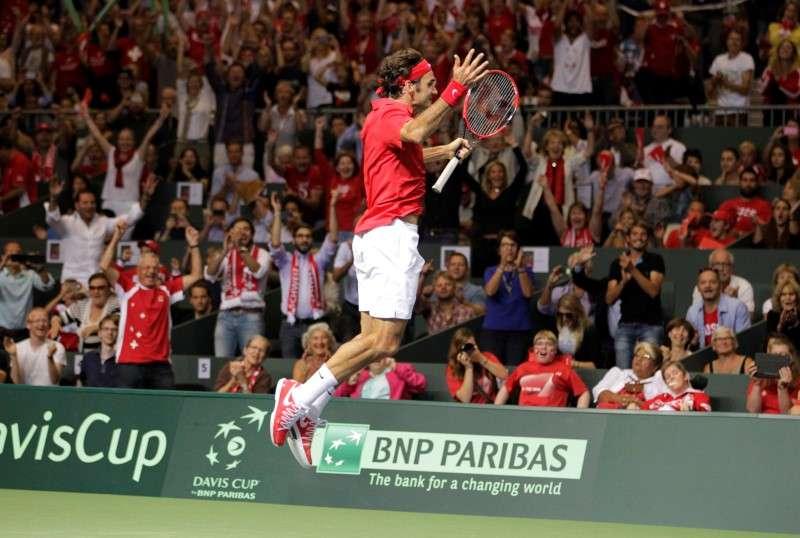 Federer vai à loucura com vitória e classificação Foto: Pierre Albouy/Reuters