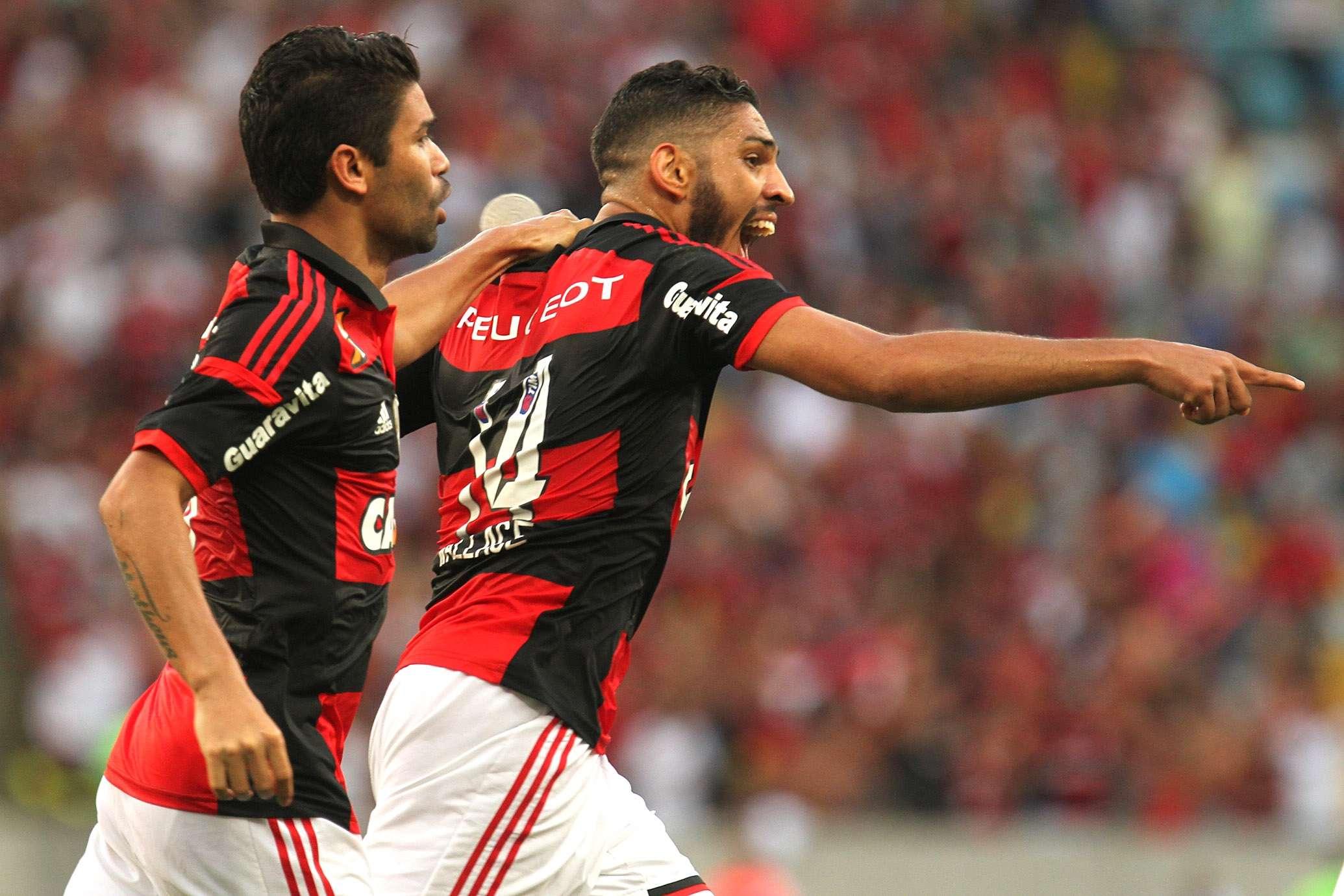 Wallace festeja gol do Flamengo Foto: Gilvan de Souza/Fla Imagens/Divulgação