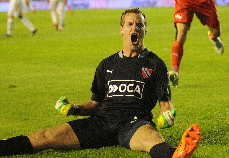 Diego Rodríguez, arquero de Independiente, hizo dos goles Foto: NA