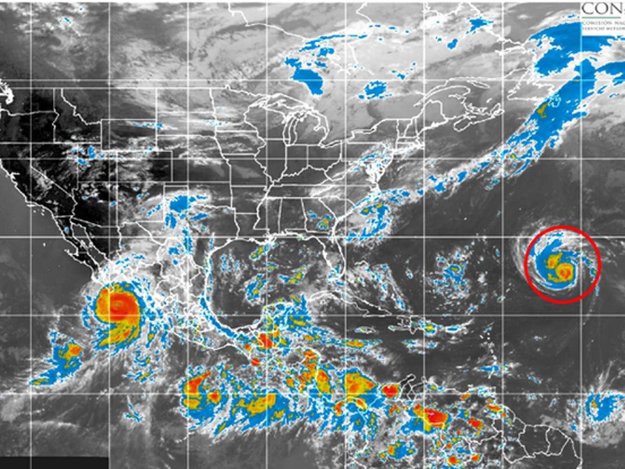 Edouard se desplaza hacia el oeste-noroeste a 22 kilómetros por hora y su presión mínima central es de 982 hectopasacales (hPa) Foto: Conagua