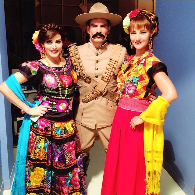 15 de septiembre de 2014 - Julio Camejo se vistió muy patriota para celebrar la Independencia de México en medio de ls grabaciones de 'Hasta El Fin Del Mundo' Foto: Instagram