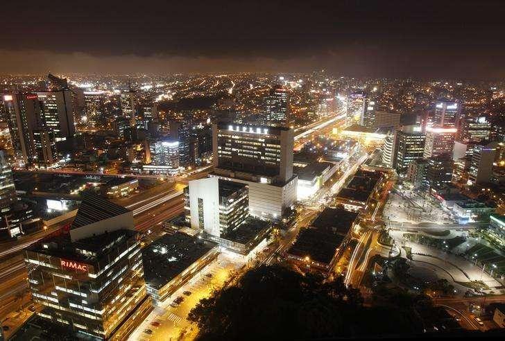 El distrito financiero de San Isidro en Lima, dic 19 2013. La economía de Perú creció un 1,16 por ciento interanual en julio, menos de lo estimado por el mercado aunque por encima de la expansión del mes previo, por una persistente debilidad de los sectores clave de minería y manufactura, dijo el lunes el Gobierno. Foto: Enrique Castro-Mendivil/Reuters
