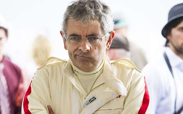 Rowan Atkinson se estrella en Goodwood Revival Foto: Paul Grover / The Telegraph