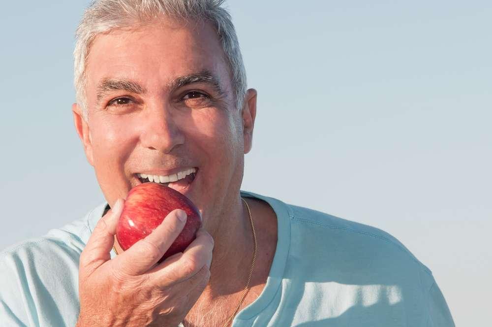 64% da população que usa dentadura tem o fungo Candida na boca, sem apresentar sintomas Foto: Glayan/Shutterstock