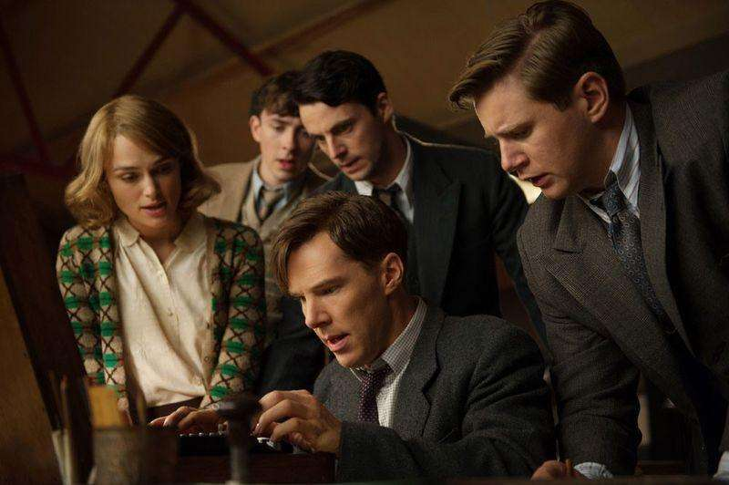 "(L-R) Keira Knightley, Matthew Beard, Matthew Goode, Benedict Cumberbatch, and Allen Leech star in ""The Imitation Game."" Foto: Jack English/Reuters"