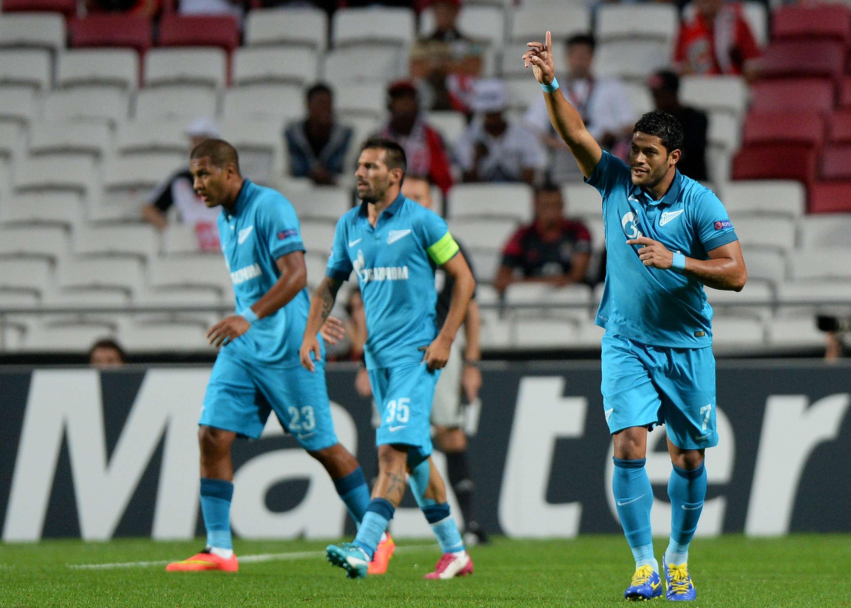 Hulk fez o primeiro gol da vitória do Zenit sobre o Benfica Foto: Patrícia de Melo Moreira/AFP