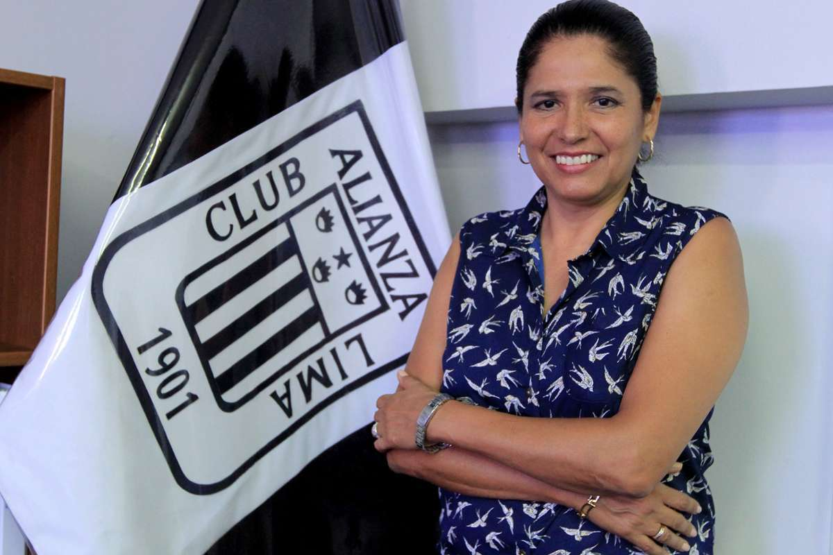 Susana Cuba dirige a Alianza Lima desde el 2012. Foto: Miguel Ángel Bustamante/Terra Perú