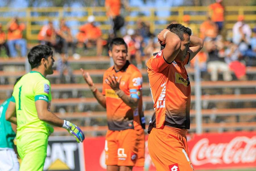 Cobreloa tuvo el debut de su nuevo DT, Fernando Vergara. Foto: Agencia UNO
