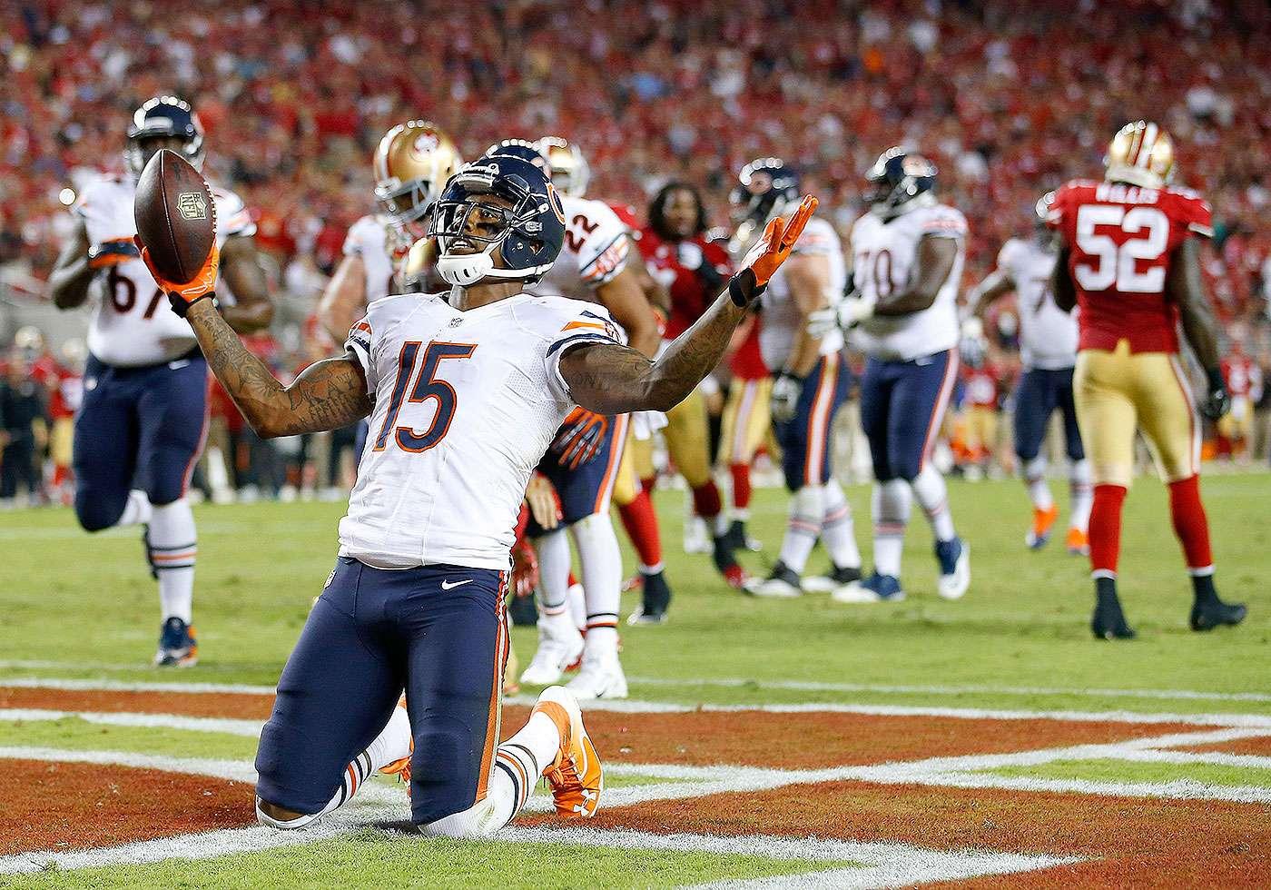 Jay Cutler lanzó tres pases de touchdown a Brandon Marshall, incluidos dos en el dinámico cuarto periodo y los Bears vencieron a los 49ers en la semana 2 de la NFL. Foto: AP