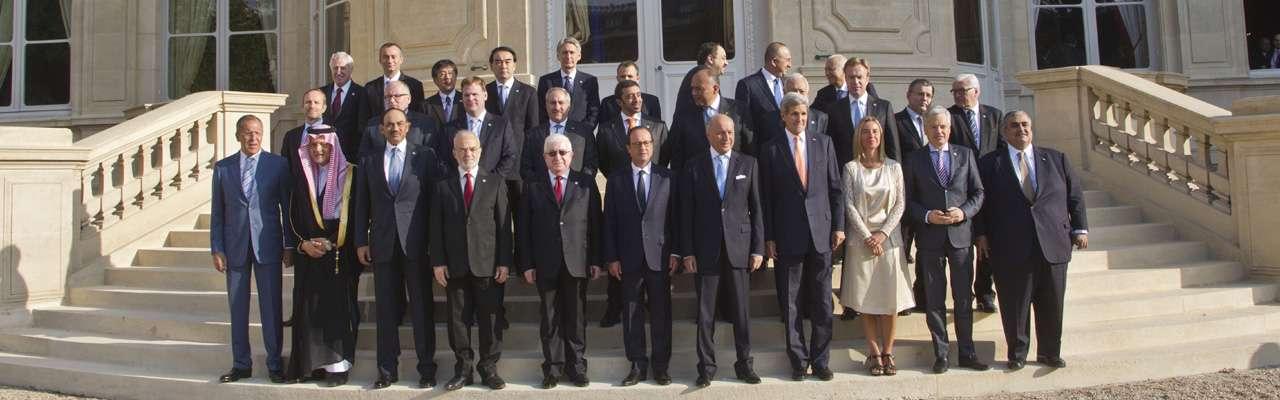Al menos representantes de 30 países que participaron en la Conferencia Internacional sobre la Paz y Seguridad en Irak este lunes en París, externaron su apoyo a la ofensiva de los Estados Unidos contra los yihadistas del Estado Islámico (EI). Foto: AFP en español