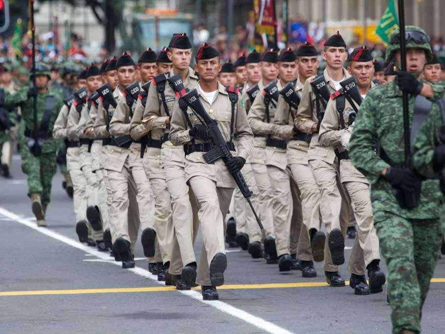 Cadetes del Ejército participaron en el acto. Foto: Presidencia de la República