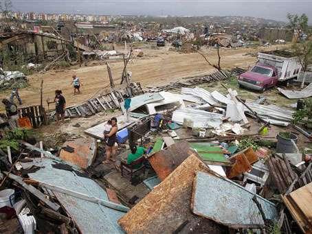 De los habitantes en zonas de riesgo, 5 mil personas en Los Cabos y La Paz fueron evacuadas a albergues y otra gran mayoría se refugiaron en casas de familiares. Foto: AP en español