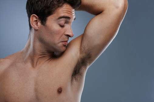 El sudor, las actividades y el clima determinan el uso del desodorante. Foto: Getty Images