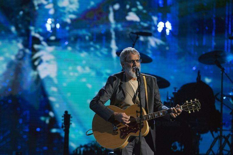 British singer-songwriter and humanitarian Yusuf Islam, commonly known by his former stage name Cat Stevens, performs after he was inducted during 29th annual Rock and Roll Hall of Fame Induction Ceremony at the Barclays Center in Brooklyn, New York April 10, 2014. Foto: Lucas Jackson/Reuters