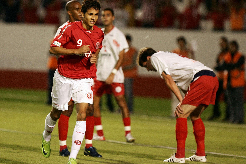 Nilmar joga pelo Inter em 2009; terceira passagem no clube está acertada Foto: Wesley Santos/Fotoarena/Gazeta Press