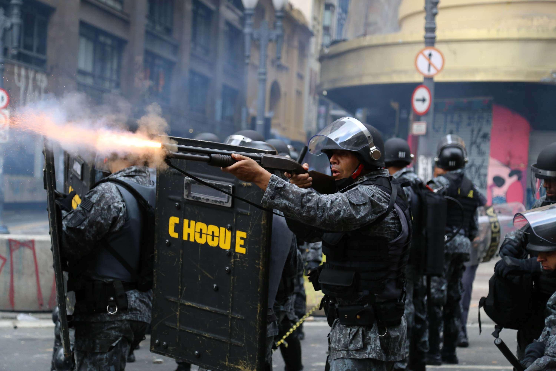 Policias da Tropa de Choque foram acionados por volta das 8h Foto: André Lucas Almeida/Futura Press
