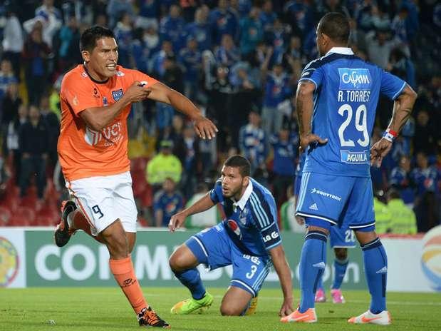 El peruano Andy Pando suma 3 goles en la Copa Sudamericana. Foto: AFP