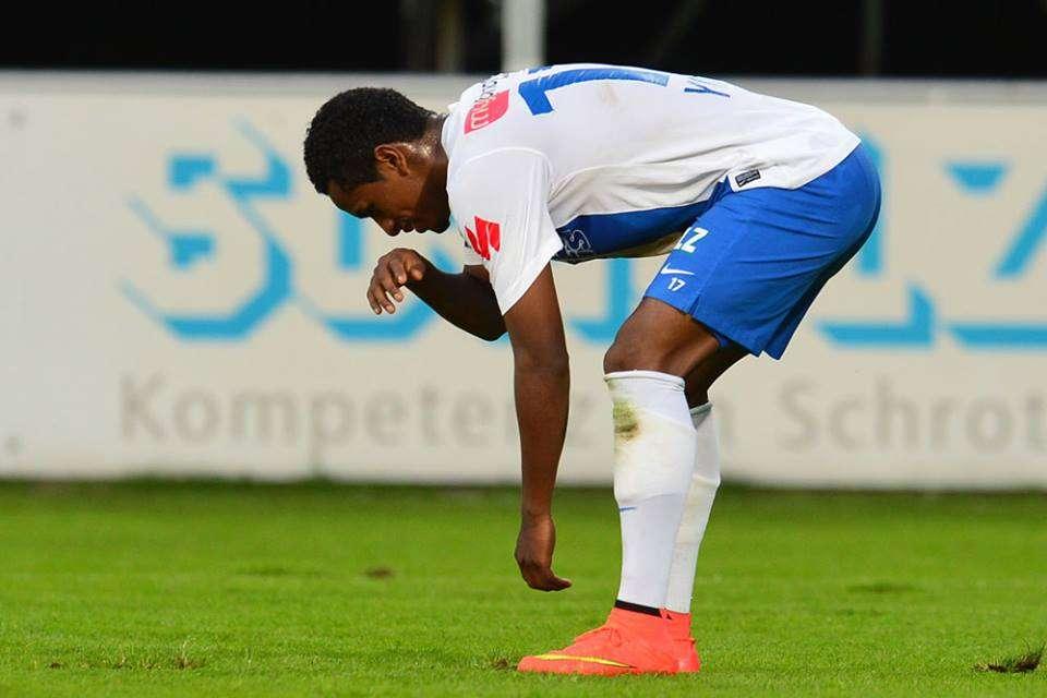 """Yordy Reyna celebró con la """"garrotera"""" su cuarto gol en la Bundesliga de Austria. Foto: Facebook SV Grödig"""