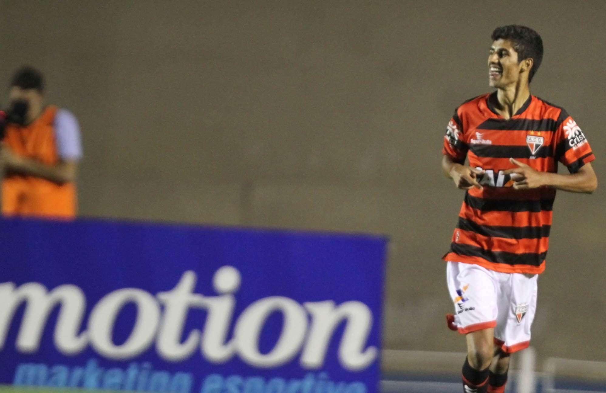 Jorginho marcou para o Atlético-GO Foto: Carlos Costa/Agência Lance