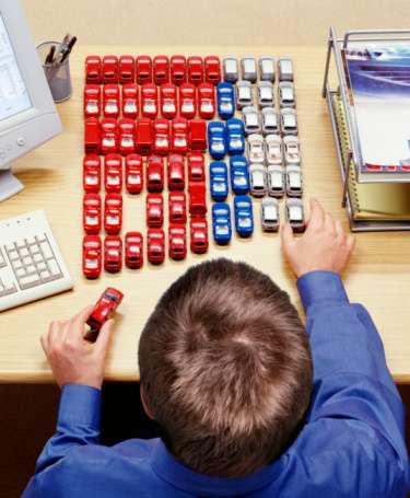 Si no tienes una idea clara del tipo de coche que deseas, rendimiento, color, interior, tecnología, entre otros, puedes tener una compra que no cubra tus necesidades. Foto: Getty Images
