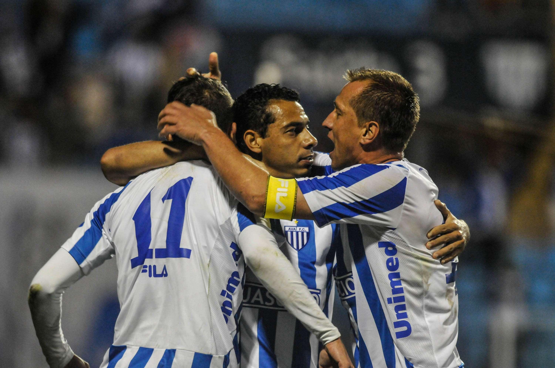 Marquinhos vibra após gol marcado Foto: Eduardo Valente/Agência Lance