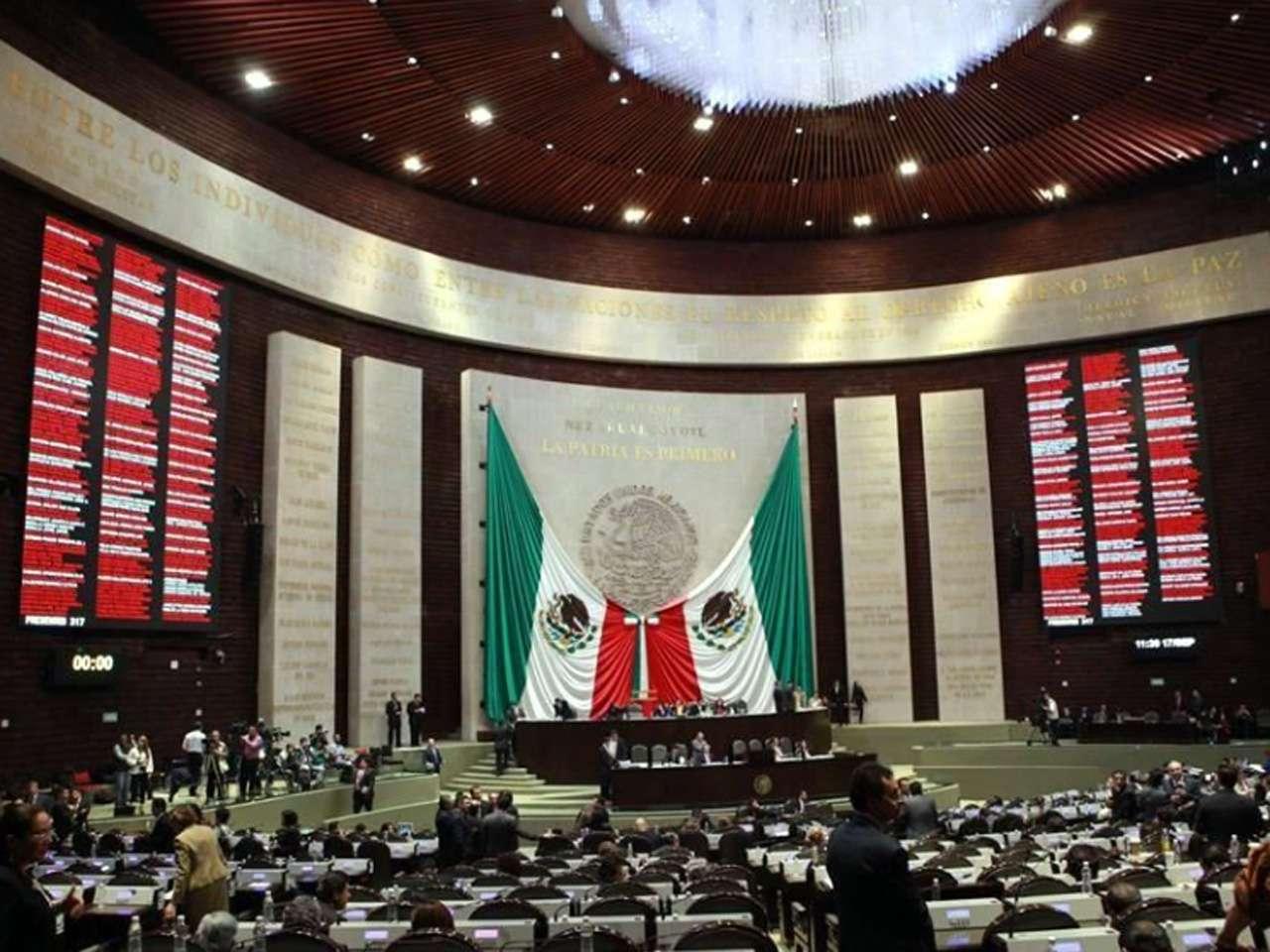 El informe por el derrame de la minera en el río Sonora fue presentando en la Cámara de diputados Foto: Tomás Martínez/Reforma