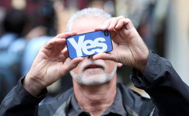 Campanha YES pela independência da Escócia abala opinião no país Foto: Paul Hackett/Reuters