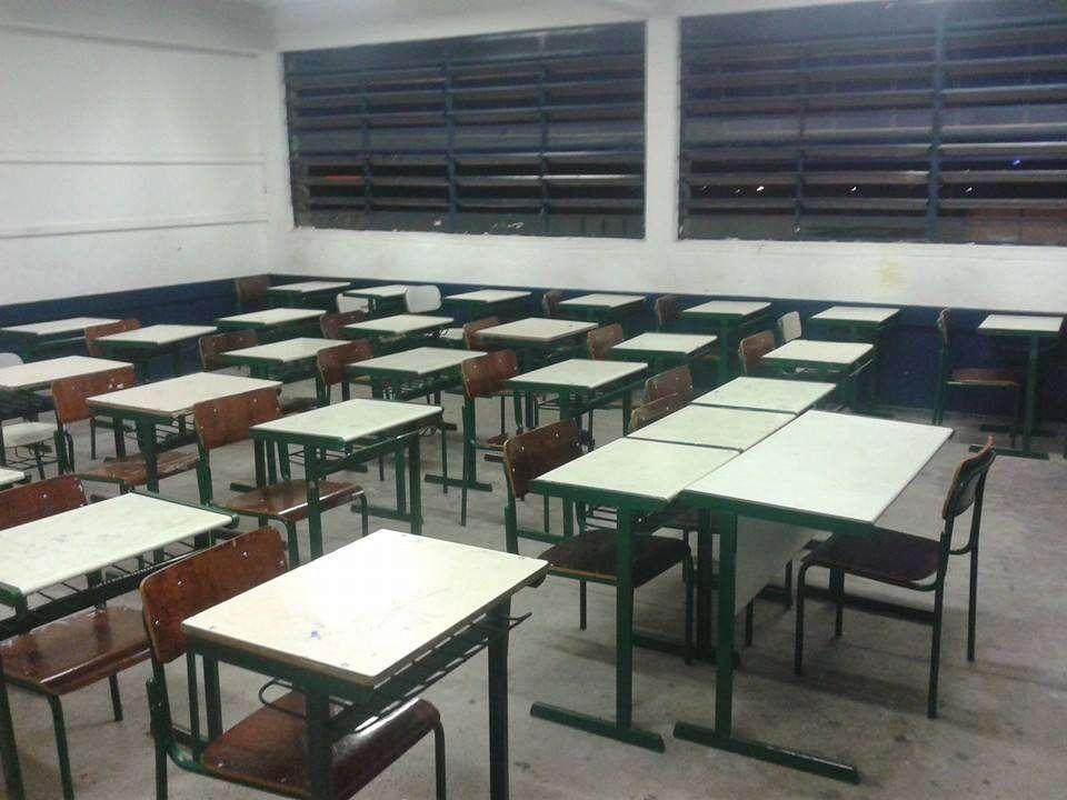 Sala de aula da Escola Estadual Padre Antônio Jorge Lima, em Bauru Foto: Facebook/Reprodução