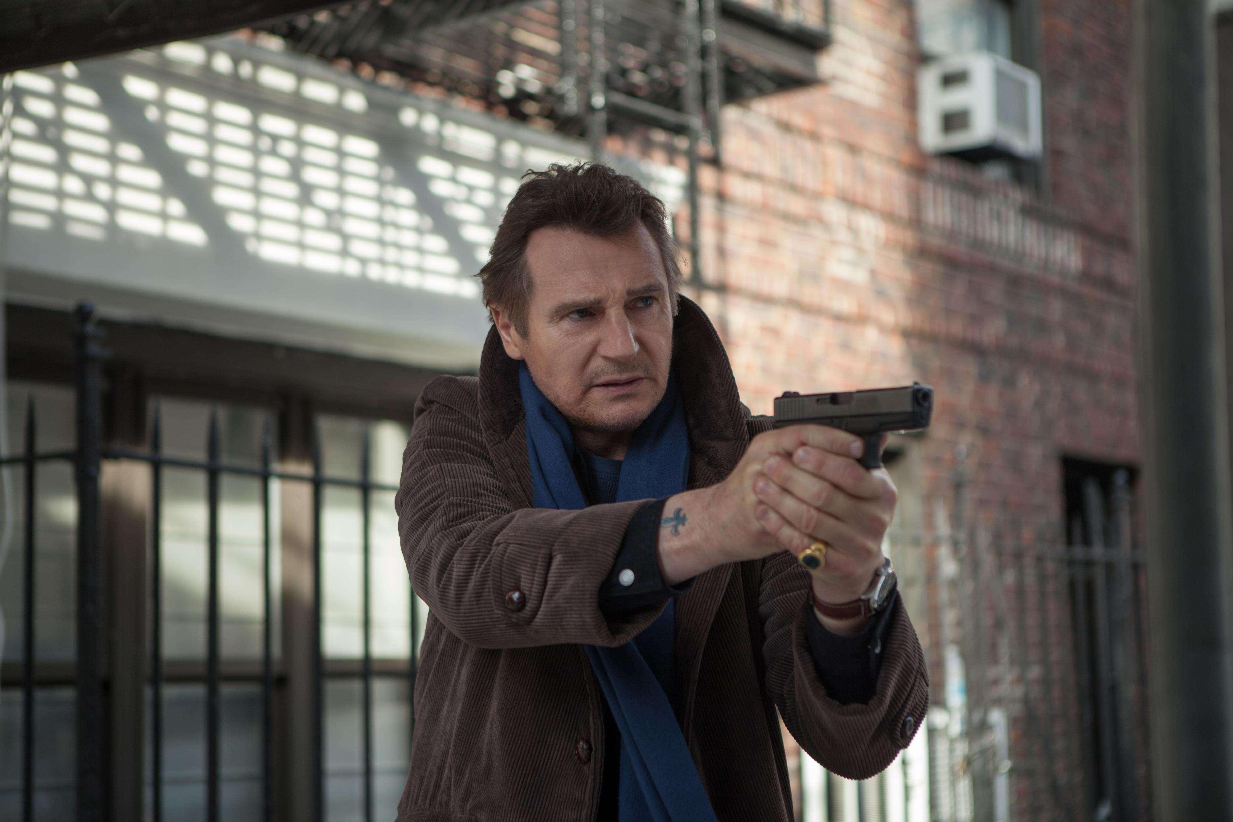 Liam Neeson interpretó al detective Matt Scudder en 'Caminando Entre Tumbas'. Foto: Caminando Entre Tumbas