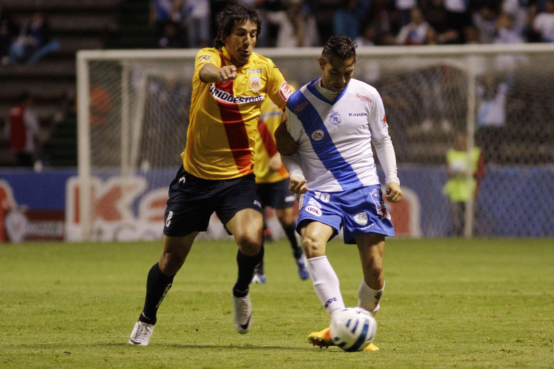 Con goles de Juan Carlos Cacho y Édgar Mejía, Puebla derrotó 2-1 a Monarcas Morelia, para asegurar su lugar en los cuartos de final de la Copa MX. Foto: Imago7