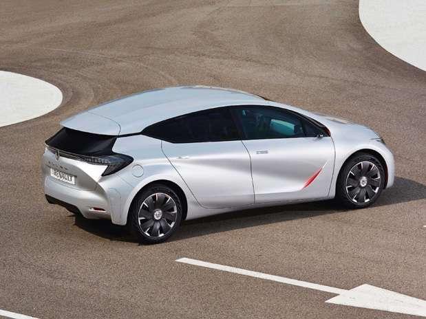 Carro conceito da Renault possui motores elétrico e à gasolina e é capaz de rodar 100 quilômetros com apenas um litro de combustível Foto: Divulgação