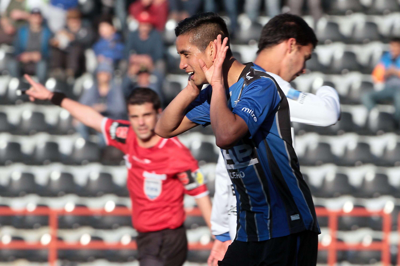 Vilches comemora gol do Huachipato Foto: Esteban Sanchez/EFE