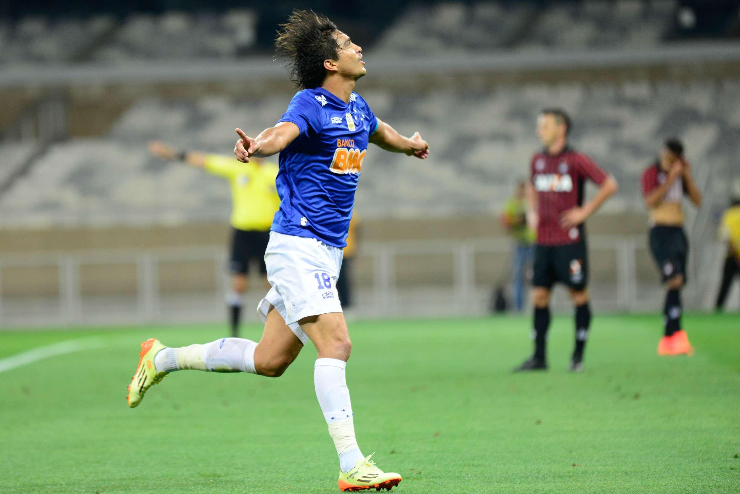 Marcelo Moreno fez o segundo gol da vitória do Cruzeiro Foto: André Yanckous/Agif/Gazeta Press