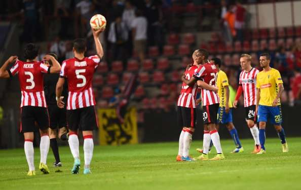 Con un gol de penalti de Luuk de Jong, el PSV ganó 1-0 al Estoril de Portugal, en la primera jornada de la fase de Grupos de la Europa League. Foto: AFP