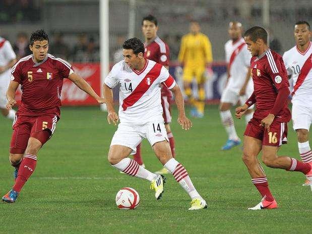 Claudio Pizarro podría ser convocado para amistosos con Chile y Venezuela de octubre. Foto: Miguel Ángel Bustamante/Terra Perú