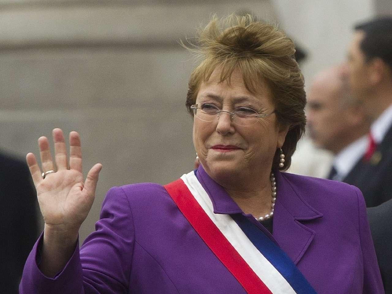 La presidenta de Chile, Michelle Bachelet, durante celebración del 204 aniversario de la Independencia de Chile Foto: AFP en español