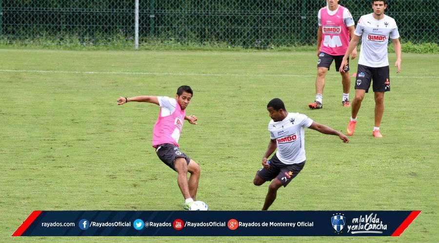 El Equipo de los Rayados de Monterrey entrena con intensidad para enfrentar a los Diablos Rojos del Toluca. Foto: Rayados