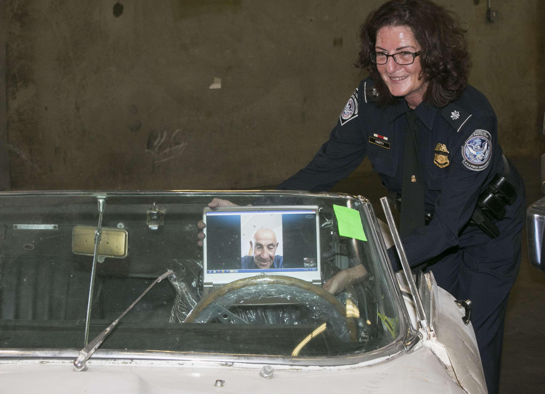 Jaguar foi devolvido ao dono quase 50 anos depois de ser roubado Foto: Damian Dovarganes/AP
