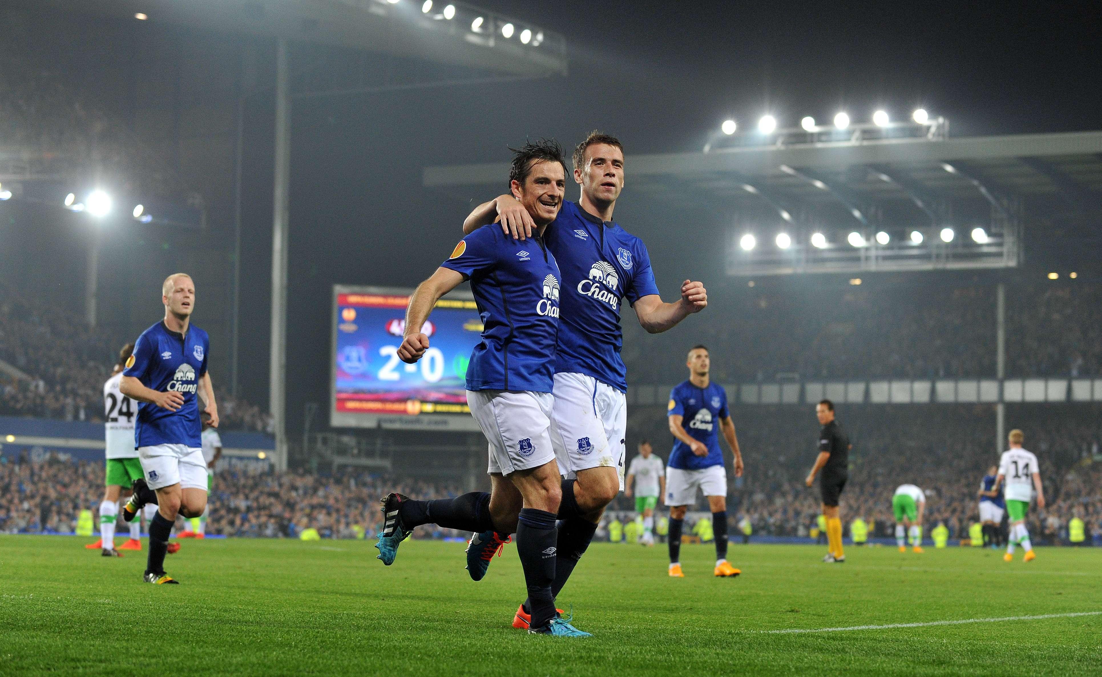 Jugadores del Everton festejan la goleada. Foto: AFP