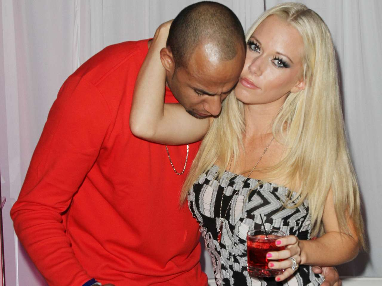 Kendra Wilkinson y Hank Baskett. Foto: Getty Images