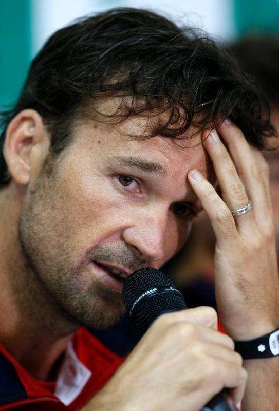 El seleccionador español de Copa Davis, Carlos Moyà, anunció el jueves que no va a continuar en el puesto, después de que España fuera eliminada del Grupo Mundial de la competición por primera vez desde 1996. En la imagen de archivo, Moyà en una conferencia de prensa en Sao Paulo, el 9 de septiembre de 2014. Foto: Paulo Whitaker/Reuters