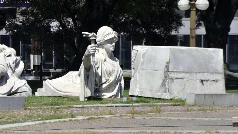 Trasladan el monumento a Colón frente a Aeroparque Foto: Web