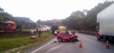Com o acidente, nenhum integrante da banda ou da produção se feriu. Foto: Polícia Rodoviária Federal