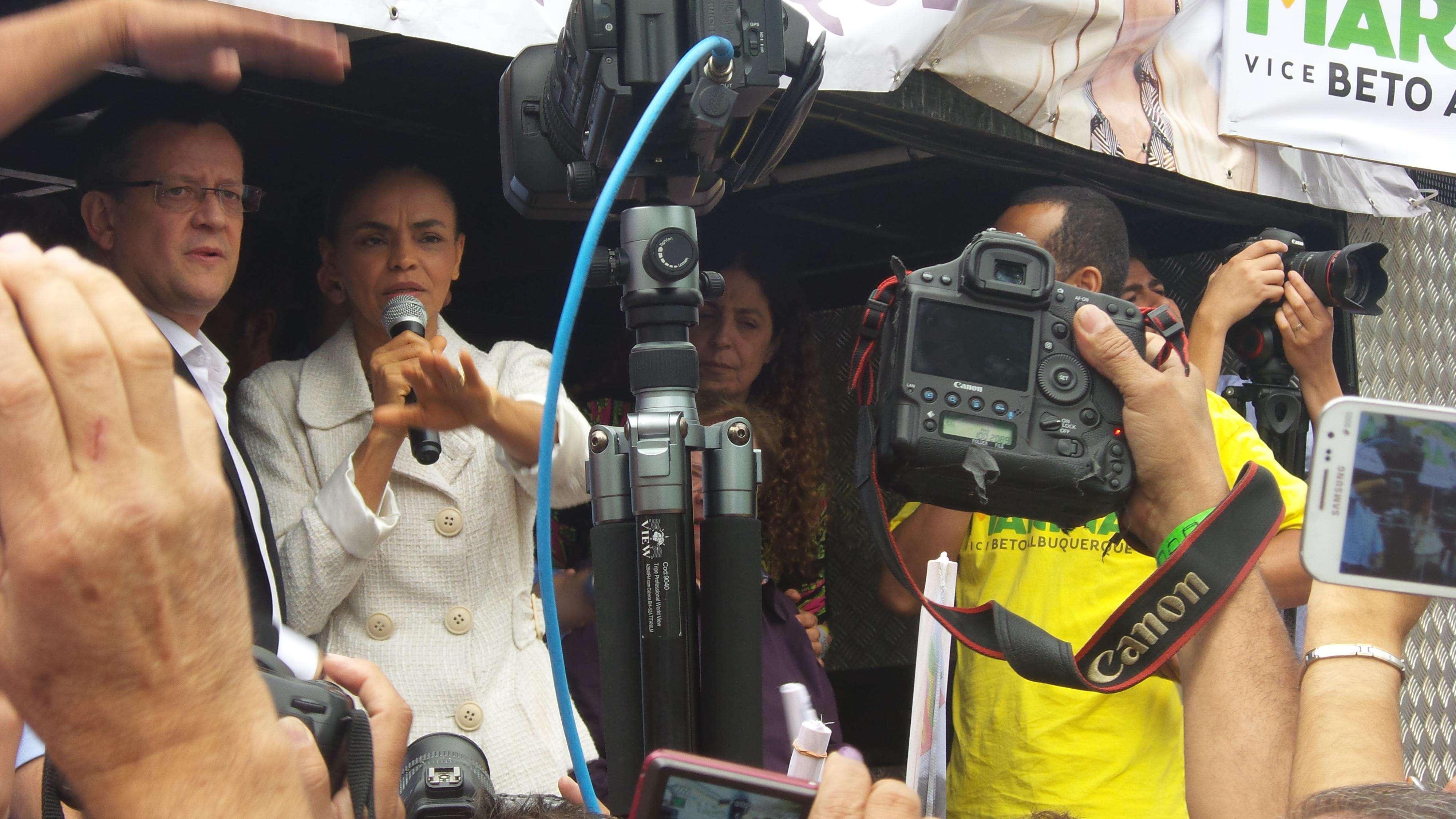 Marina Silva, o vice, Beto Albuquerque, e a coordenadora de campanha, Luiza Erundina,em ato de campanha em São Bernardo Foto: Janaina Garcia/Terra