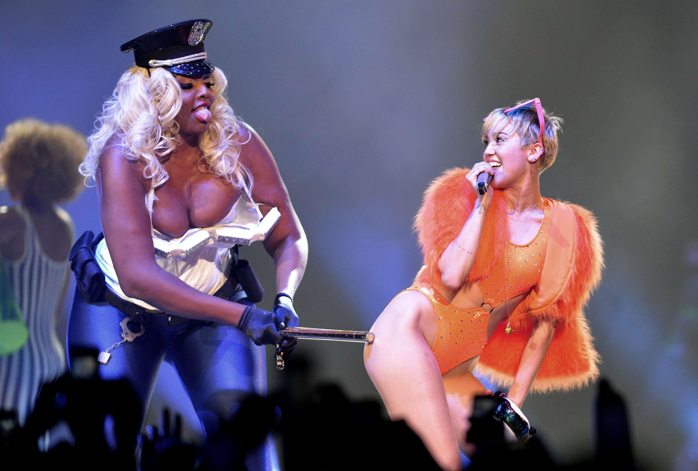 Polémica en el show de Mily Cyrus en México Foto: EFE