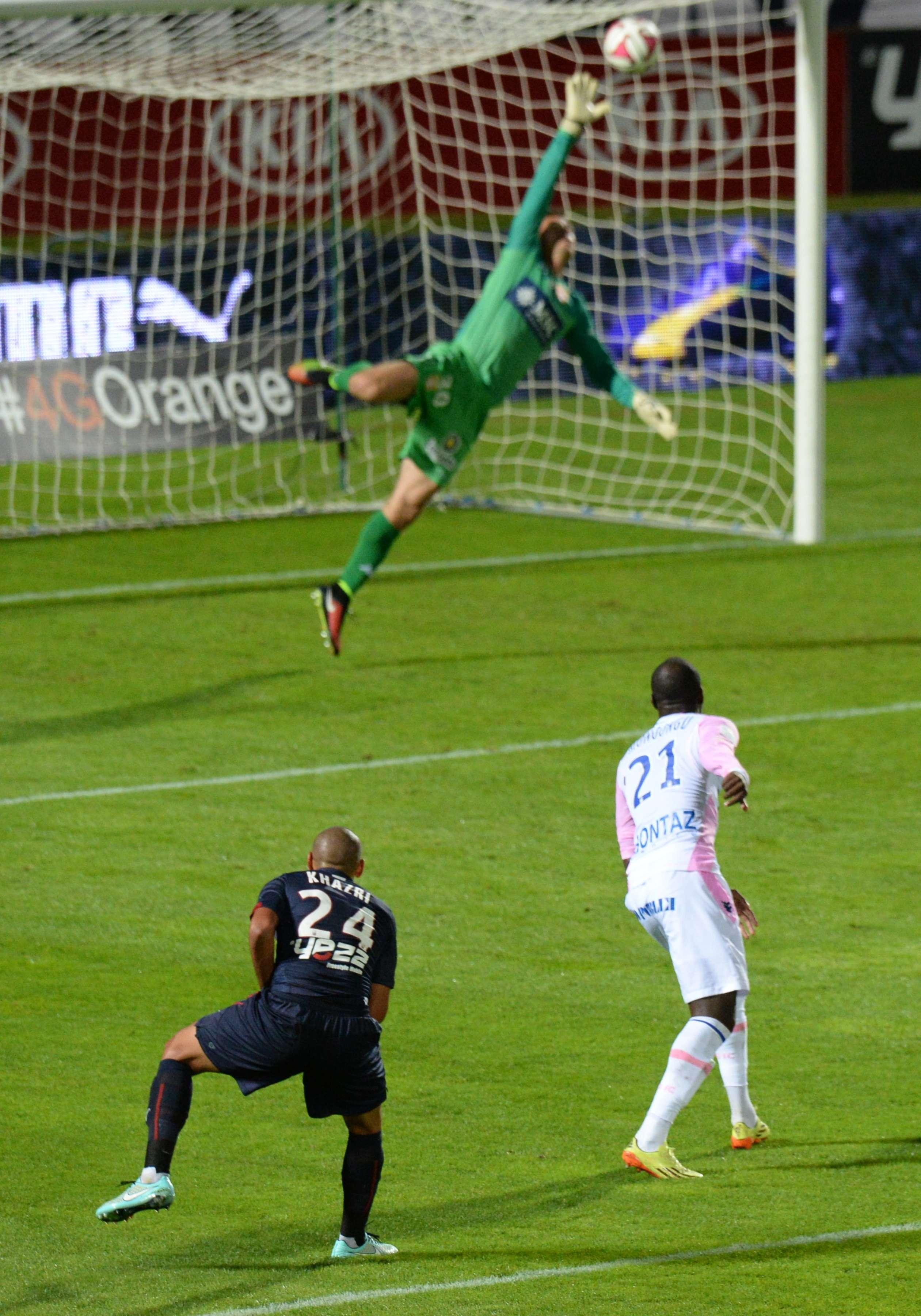 Espectacular gol del del tunecino Wahbi Khazri para el segundo gol del Burdeos en la Liga de Francia. Foto: AFP