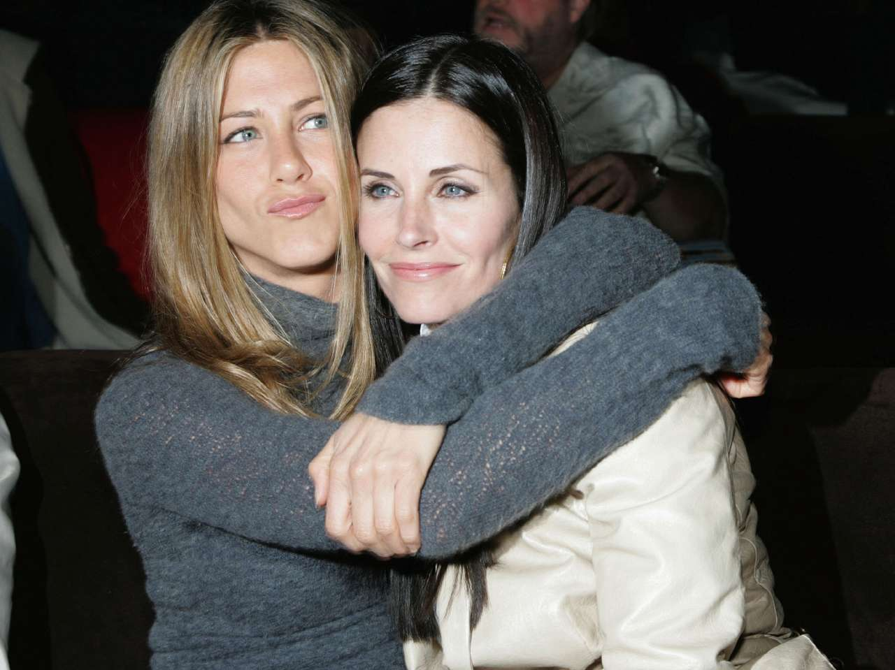 Amigos famosos: Courteney Cox y Jennifer Aniston. Foto: Getty Images